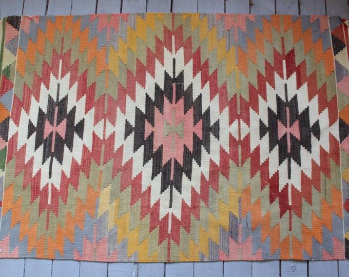 "2'8""x 4'3 feet Vintage Aztec Design Small Kilim Rug, Ethnic Bohemian Handwoven Wool Kilim"