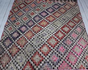 "4'0""x4'9"" Vintage Area Kilim Rug,Ethnic Bohemian Kilim Rug,Handwoven Wool Area Kilim Rug,Pink Kilim Rug"