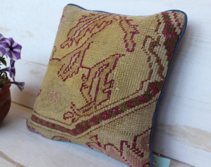 14x14 inch  OUSHAK Carpet Pillow Case, Vintage Carpet Pillow Cover, Beige Pillow Cover,Ethnic Wool Pillow Case, Bohemian Wool Pillow Cover