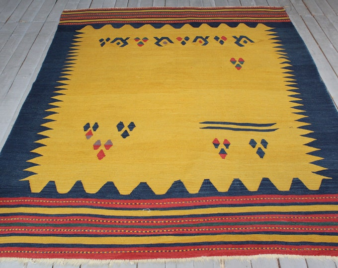 "5'1""x6'7"" Vintage Bergama Kilim Rug, Bohemian Ethnic Tribal Turkish Handwoven High Quality Wool Kilim Rug"