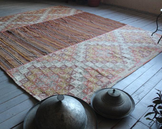 """7'5""""x9'6"""" ft  Vintage Oversized Kilim , Ethnic Large Kilim Rug, Bohemian Kilim Rug, Decorative Kilim, Vintage Pale Kilim Rug"""