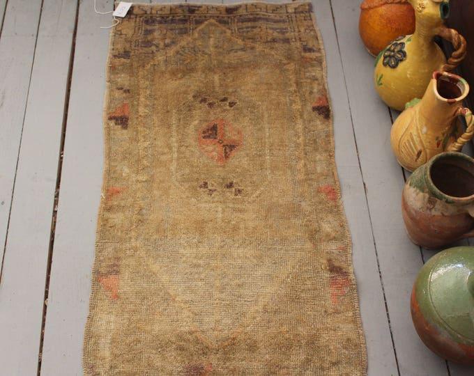 "1'6""x3'1"" Vintage Beige Small Rug,Ethnic,Tribal,Bohemian Handwoven Wool Small Carpet"