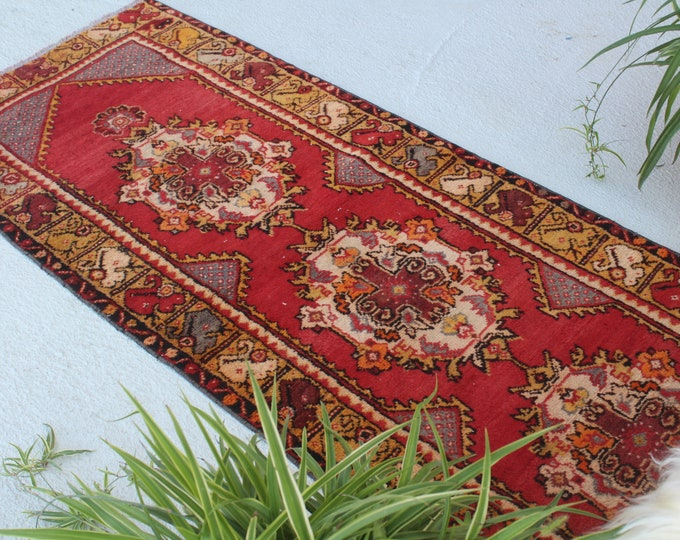 "2'7""X6'3"" ft  Vintage Rug, Vintage Turkish Rug, Vintage Anatolian Rug, Ethnic Rug, Bohemian Rug, Decorative Rug, Red Area Rug, Handwoven Rug"