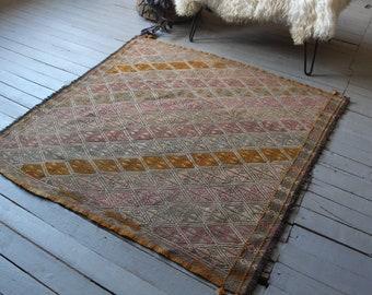 "4'3""x4'4"" ft Vintage KILIM Rug, Ethnic Kilim, Turkish Anatolian Mut Kilim, Handwoven Wool Kilim"