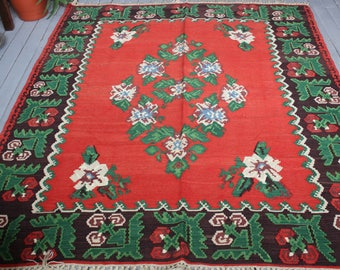 """5'6""""x6'6"""" Vintage Bohemian Ethnic Handwoven Wool  Red Area Floral Kilim Rug"""