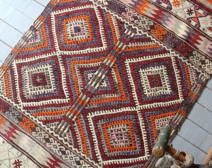 """3'x4'8"""" ft  Vintage  Kutahya Karakecili Kilim , Ethnic Kilim Rug, Bohemian Kilim Rug, Decorative Kilim Rug"""