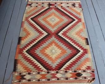 Vintage  Small Kilim, Bohemian Diamond Design Handwoven Wool Kilim Rug, Turkish Anatolian Handmade Kilim Carpet