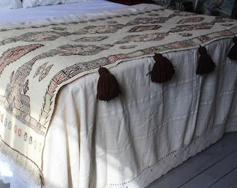 32x86 inch Vintage Kilim Throw, Ethnic Beige Throw, Beige Embroidered Throw, Bohemian Throw, Handwoven Wool Throw