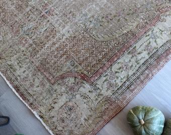 """5'6""""x8'7"""" ft , Vintage Oushak Rug, Turkish Area Rug, Rose design rug, Floral  Rug, Ethnic Turkish Rug / B-1260"""