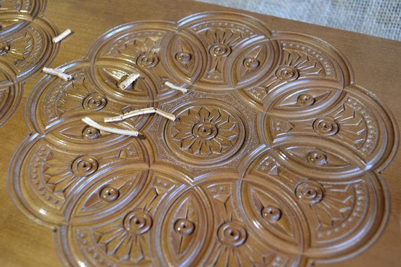 Backgammon. Plateau de Backgammon personnalisé. Jeu de table en bois, planche à la main, gravure. Eco table en bois jeu, cadeau pour lui, cadeau pour elle