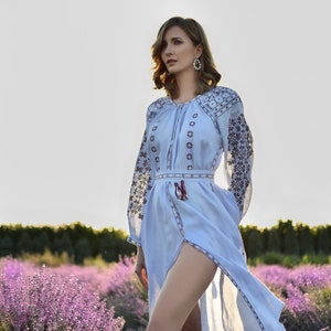 NEW Electric blue Ukrainian Embroidered Dress with embroidered White Rose Caftan Abaya Chic Nationale Custom Clothing Bohemian Style