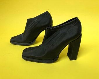3f2ed600f24 Size EU 37 Neoprene Glove Booties w  Curved Heel by Bronx