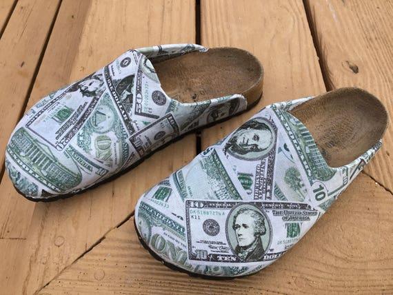 Birkenstock schwer Fußbett fast neue vegane clogs mit wasserdicht Stoff Servietten. Fuß auf Ihre Lieblings toten Präsidenten
