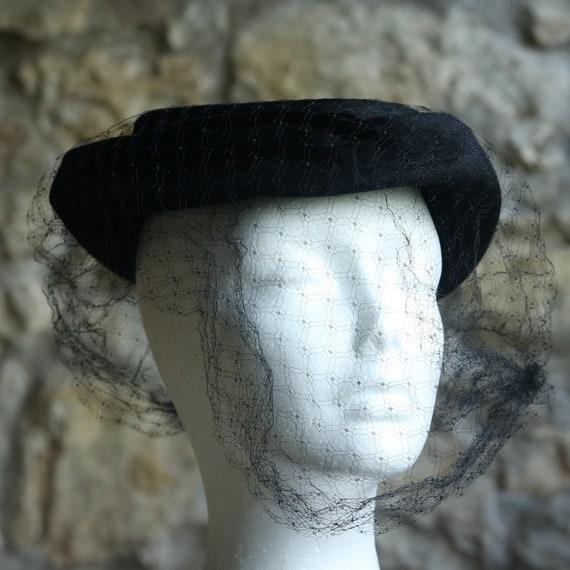 Vintage Black Velour Hat Fascinator with little ve