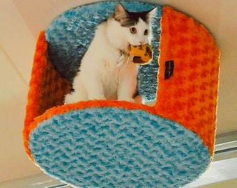 SkyCave - Ceiling & Wall Mounted Cat Condos