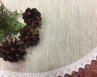 Linen Christmas tree skirt,  tree skirt,burlap tree skirt,rustic decorations, Christmas tree decor, Christmas tree skirt