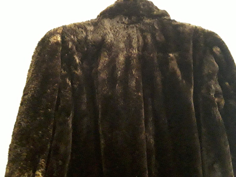Stunning Vintage Beaver Lamb Coat