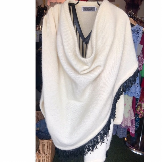 Ladies 1980's mohair wool cape