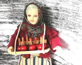 12th scale porcelain figure - Poseable dollhouse lady - Model Street Trader - Nostalgic Figurine - OOAK miniature toffee apple seller