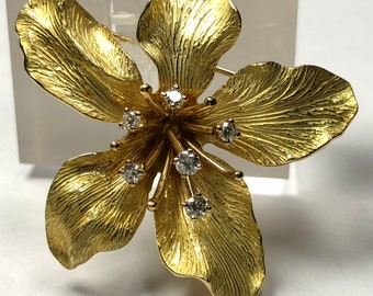 218fbac2b TIFFANY&CO.750 Diamond 0.36ct Flower Lily 3 Dimensional Textured Pin Brooch  18K Yellow Gold