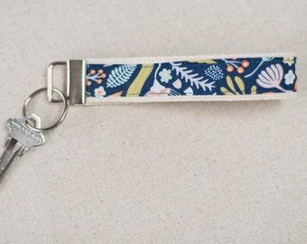 Key Fob, Keychain, Fabric Key Fob, Fabric Keychain, Fabric Wristlet, Womens Key Fob, keychain for women | Botanical