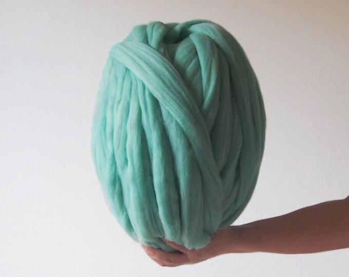 Lana XXL verde merina. Laine Merinos XXL vert. Vert merinos laine XXL. Green chunky wool. Producto de España. Ideal para tejer con brazos.