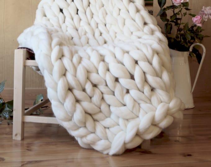 White XXL Blanket, giant wool, xxl merino wool blanket, giant knit, XXL knit blanket, woven with armrests. Free SHIPPING to Spain