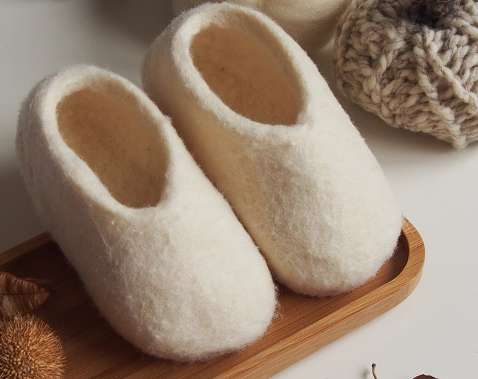 Zapatitos de bebé, patucos, zapatos afeltrados, calzado de bebé de lana merina, artesanal, regalo Navidad