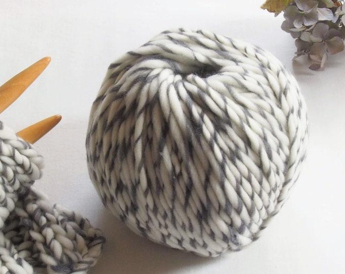 Merino wool bicolor: Caramel, chestnut, ash and charcoal. Two-coloured merino wool. Transhumane ESPAÑA. Spanish virgin Wool