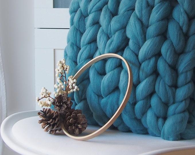 NUEVO Cojín de lana XXL color azul turquesa. 40x40 cm. Especial Navidad.