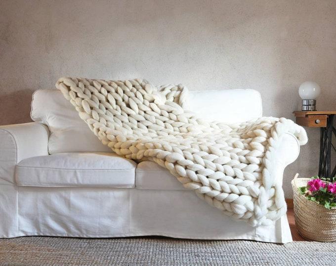 White chunky knit blanket - giant knit blanket - chunky knit throw - White knit blanket - Chunky knit blanket -White blanket -Special gift