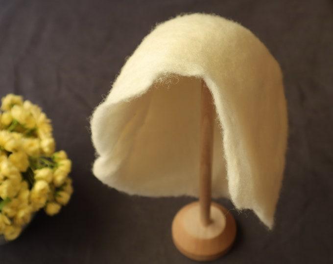 Sombrerito de lana afeltrada para bebés. Especila para sesión fotográfica de recién nacidos.