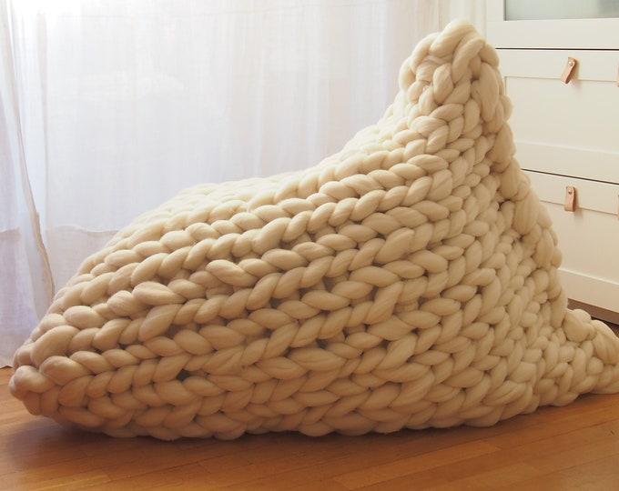 ¡NUEVO! Puff cubierto de lana XXL merina. Envío GRATIS a toda España.