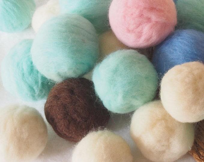 Conjunto de 20 pompones esponjosos de lana merina
