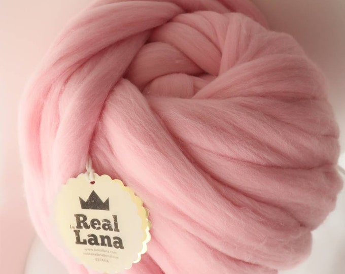 Merino XXL wool pink colour from Spain, special weaving with arms, Special gift ideas for Baby. Wool from Spain