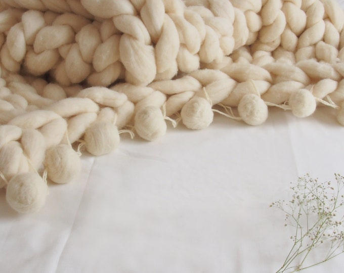 Hand Knitted Pompom Blanket, Chunky pompom blanket, XXL Merino wool