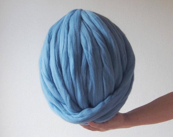 Lana XXL Azul merina. Laine Merinos XXL bleu. Bleu merinos laine XXL. Blue chunky wool. Producto de España. Ideal para tejer con brazos.
