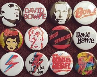 David Bowie Buttons X 12. Stifte. Großhandel. Sammler. Schnäppchen: 0)