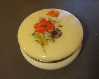Vintage vanity powder/trinket holder.