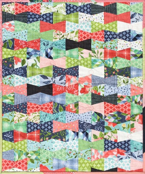 Modern Mini Quilt, Best Dressed Quilt Pattern, using 2 1/2