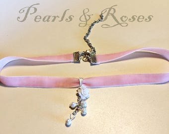 Pearls and Roses Pink pastel velvet choker