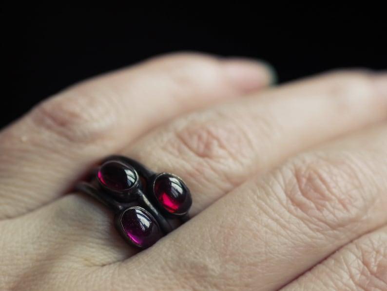 shining ring trilogy ring healing crystal Garnet ring witchkraft magick stone red gemstone Garnet silver 925 ring geometric jewelry