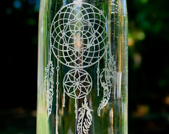 32oz. Dream Catcher design etched glass water bottle. reusable. eco friendly. made by hand.