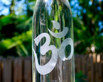 32oz. Om design reusable etched glass water bottle. made by hand. eco friendly.
