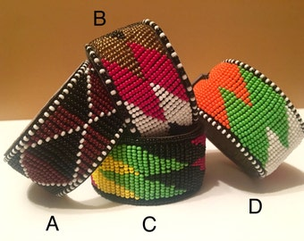 Wakanada Bands  - Massai beaded leather cuff