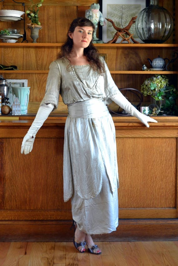 Elegant Era Dress | vintage 20's silver raw silk b