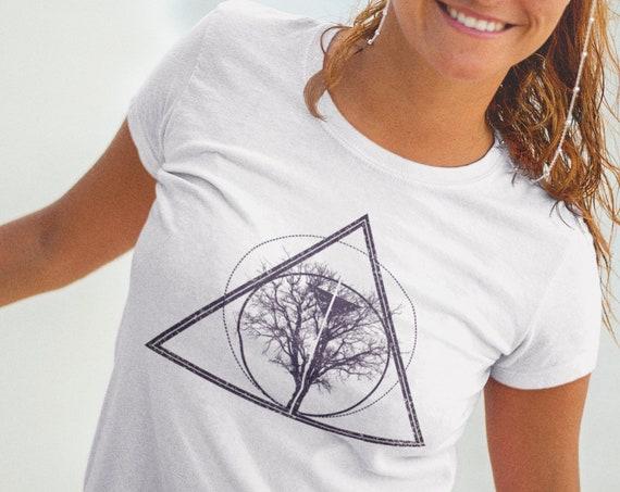 Tree of life / knowledge | Unisex T-shirt | Apparel | Women / Men Clothing | Bodhi tree T-shirt | Personalized geometric design | ZuskaArt