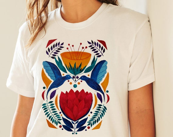 Love birds  | Unisex T-shirt | Apparel | Women / Men Clothing | Personalized T-shirt | Graphic Tee | Kissing hummingbirds  | ZuskaArt