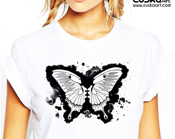 Butterflies in my stomach | Unisex T-shirt | Metamorphosis | Kissing faces | Sacred feathers | Native american art | ZuskaArt