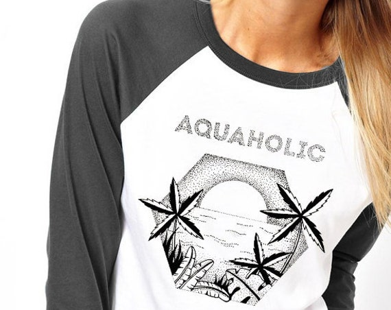 Aquaholic | Unisex Raglan T-Shirt | Beach shirt | Surfing Tee | Palm trees | Tattoo style | Original artwork | Ocean sunset | ZuskaArt